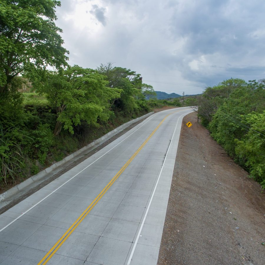 Carretera al Sur CA 5 construida con Admix DT